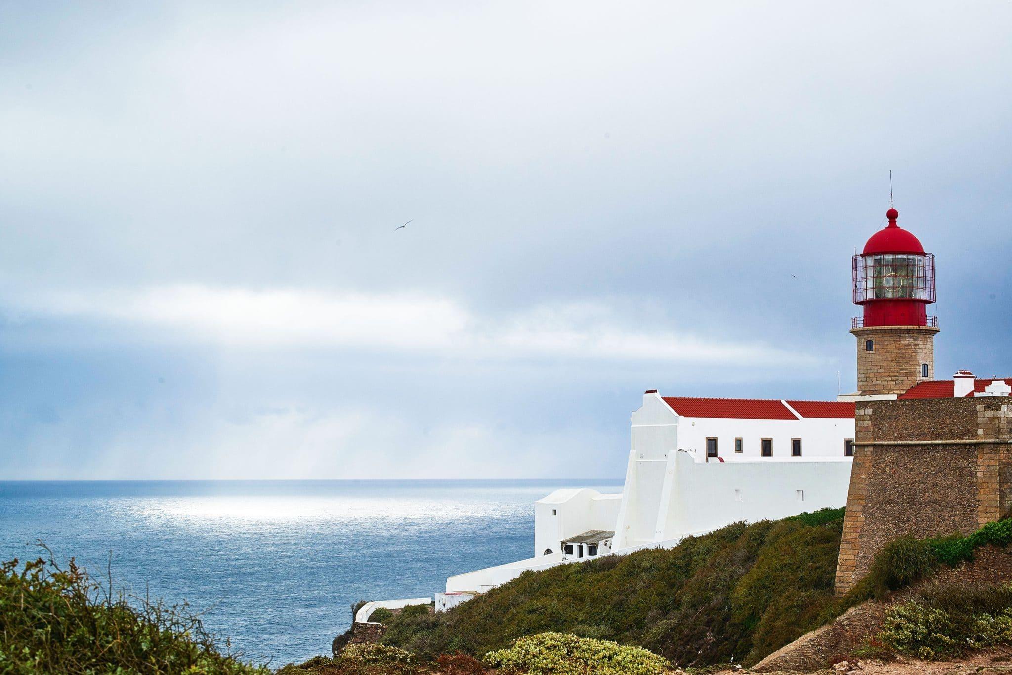 Portugalin punahattuiset majakat