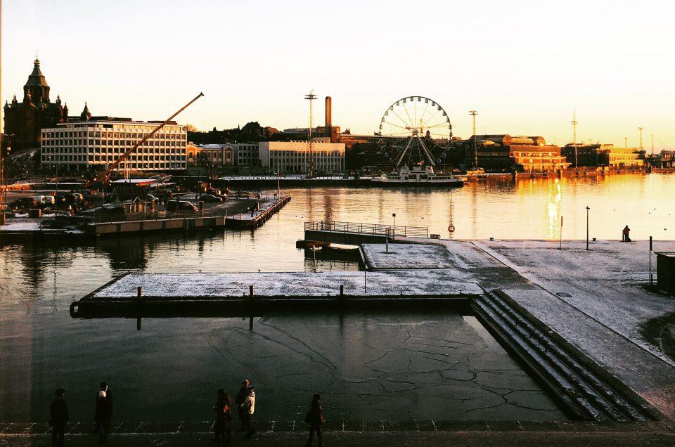 Auringonnousun aikaan Helsingissä