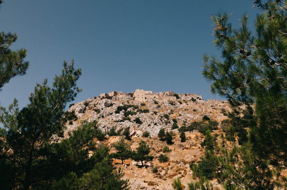Aavekaupunki Anavatos ja pyöreän pöydän seikkailijattaret