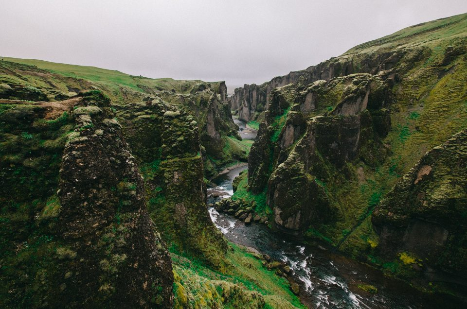 Islanti – Fjadrárgljúfurin kanjonin kuiskaus