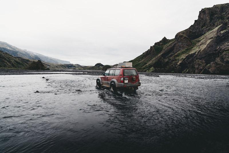 Omalla autolla Islantiin